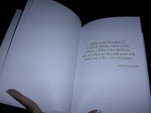 a druhá stránka knihy