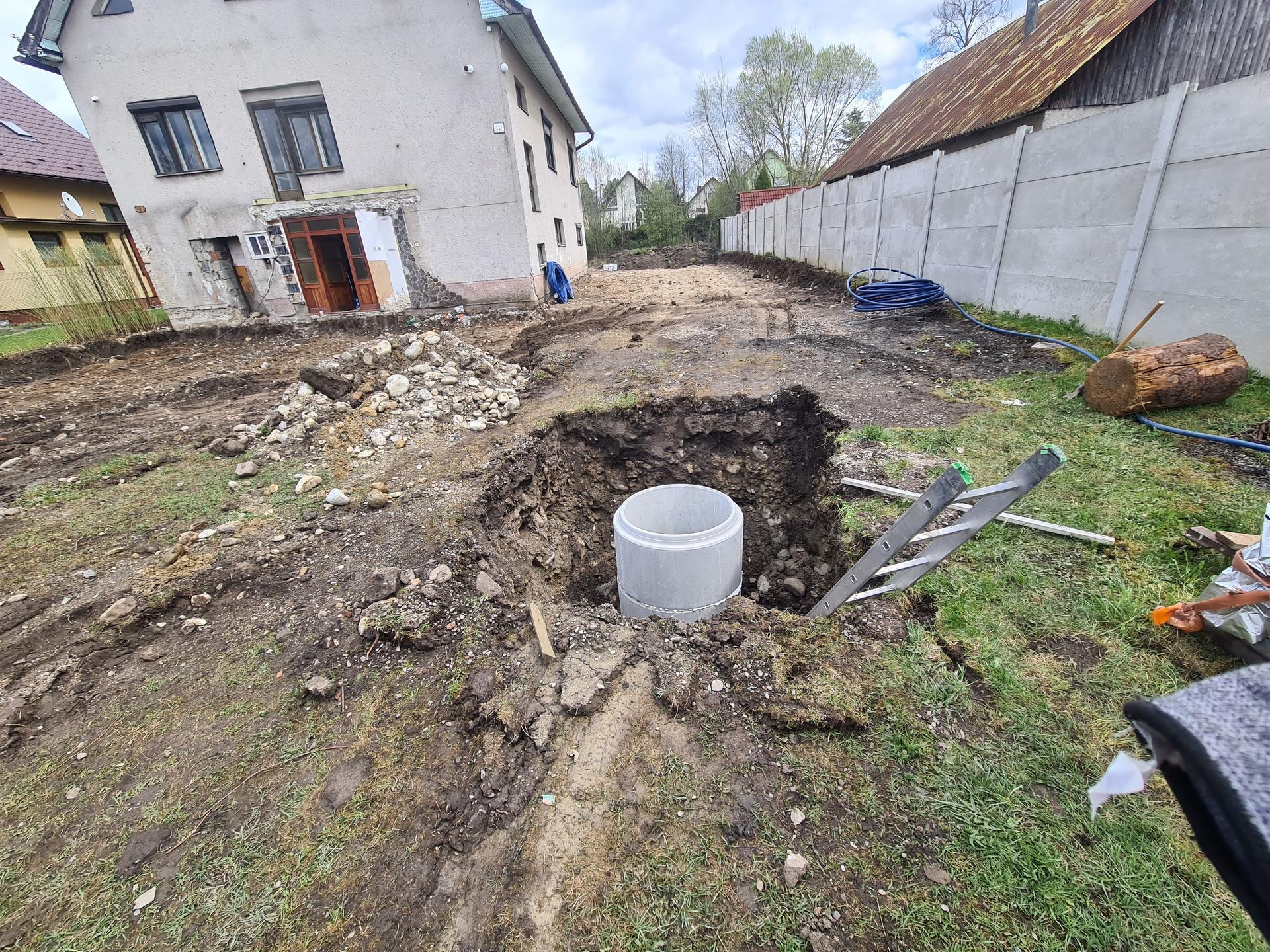 Rekonštrukcia Nášho domu - Šachta pre rozdelovač zemného kolektora