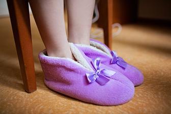 pohodlné a teploučké obutíčko :-) heslo : hlavně, že jsou fialkovéééééé :-)