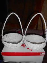 Dneska my známá dodělala košíčky pro ty moje zlatíčka ještě dozdobíme a je to :-)