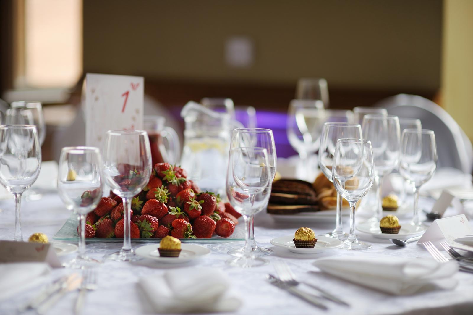 vinomaravilla - Nemalí dôraz klaďte aj na výber pohárov pre víno a sekt.