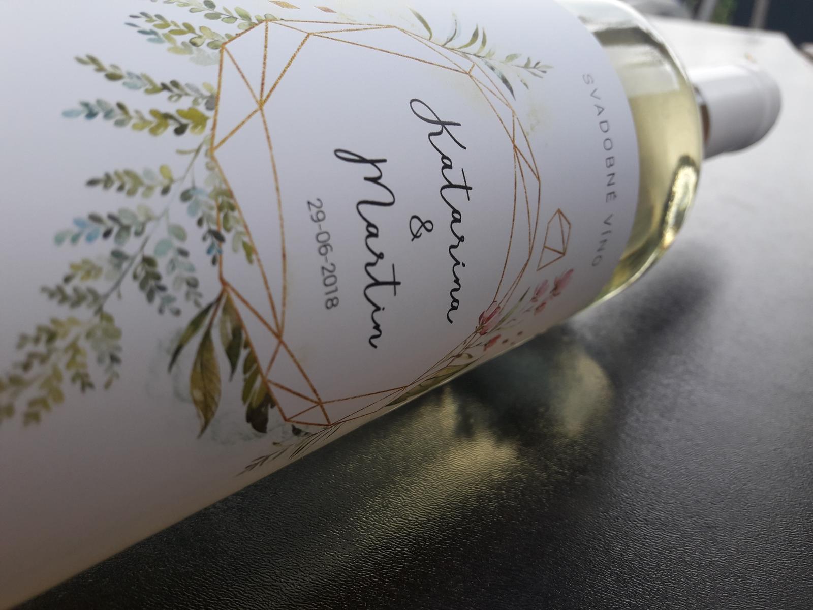vinomaravilla - Svadobné vínko s modernou etiketou. Jednoduchý a prehľadný motív