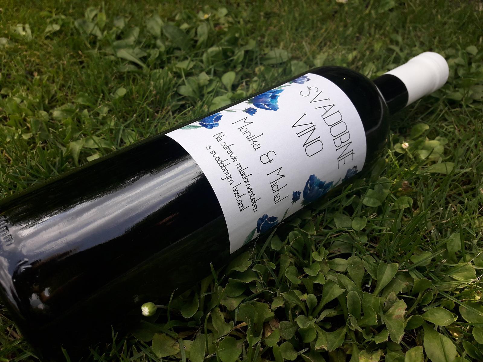 vinomaravilla - Svadobné víno s etiketou do modra. Niečo modré - vybavené