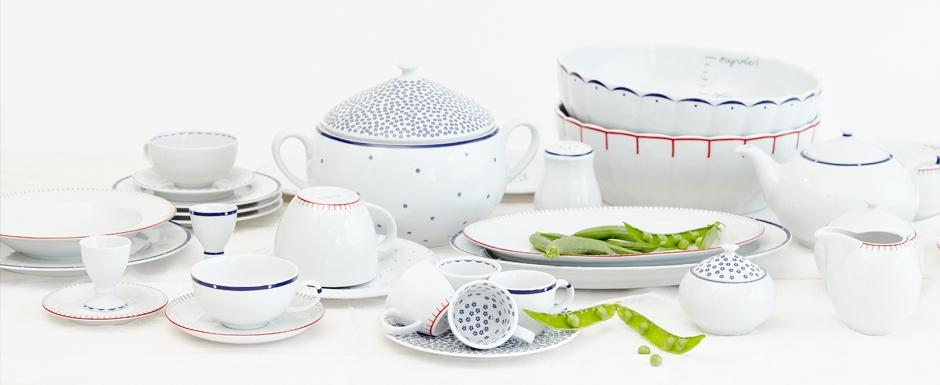 Kuchyna - moja predstava - porcelan dity p. - krasne jednoduchy a ja som sa zamilovala zase raz :-P