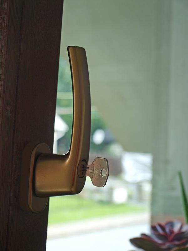 Štrúdľa po liptácky - poistka na balkonove dvere, kedze nase blchy su echt vsetecne.