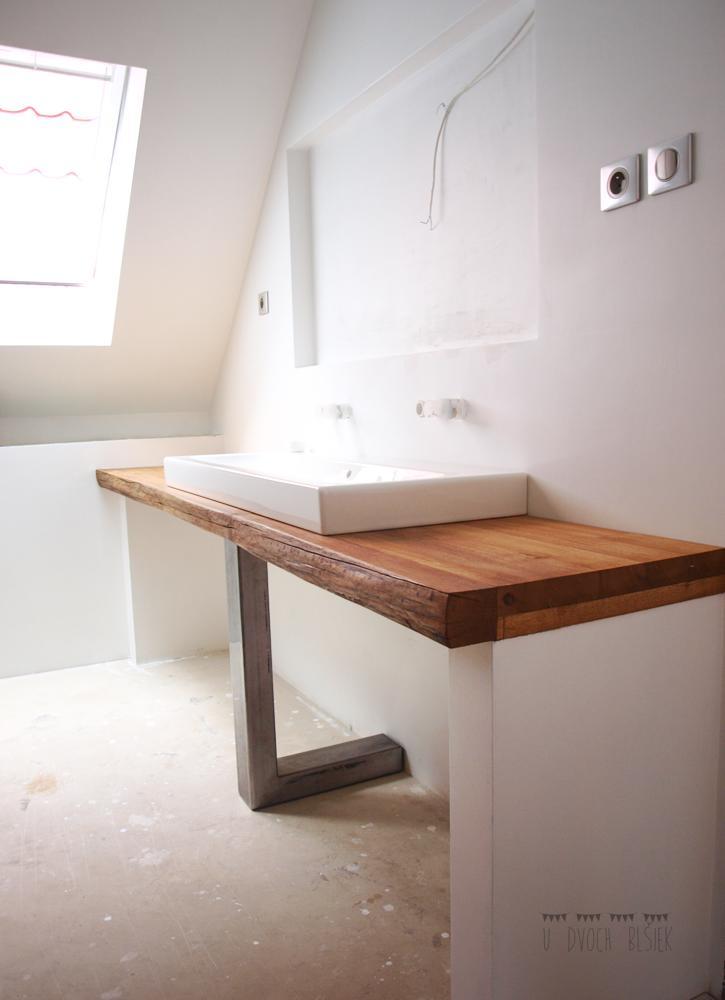 Štrúdľa po liptácky - už i horná kúpeľňa začína mať svoje črty... zatiaľ sme to len naoko naaranžovali...