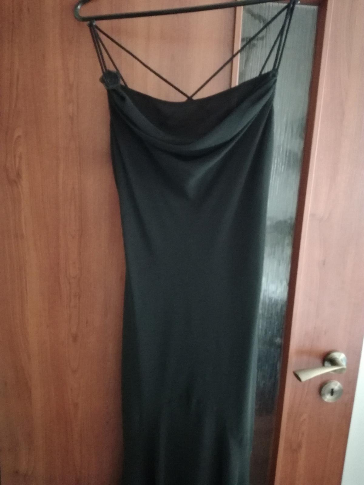 Čierne spoločenské šaty - Obrázok č. 1