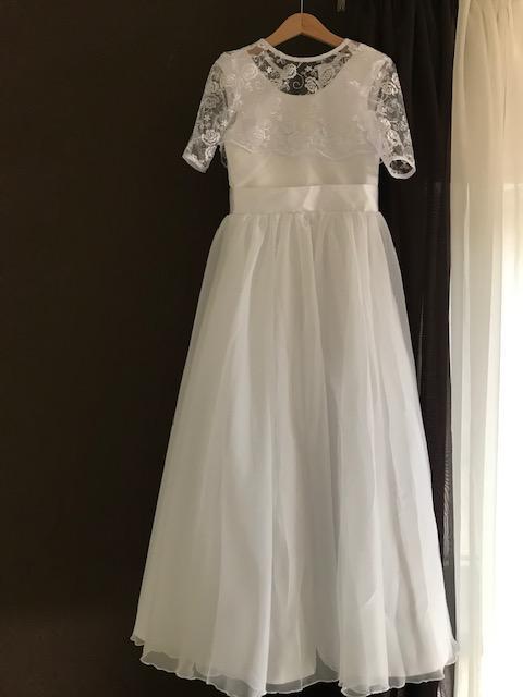 Šaty pre Nikolku na prijímanie - Hotové šaty na odoslanie