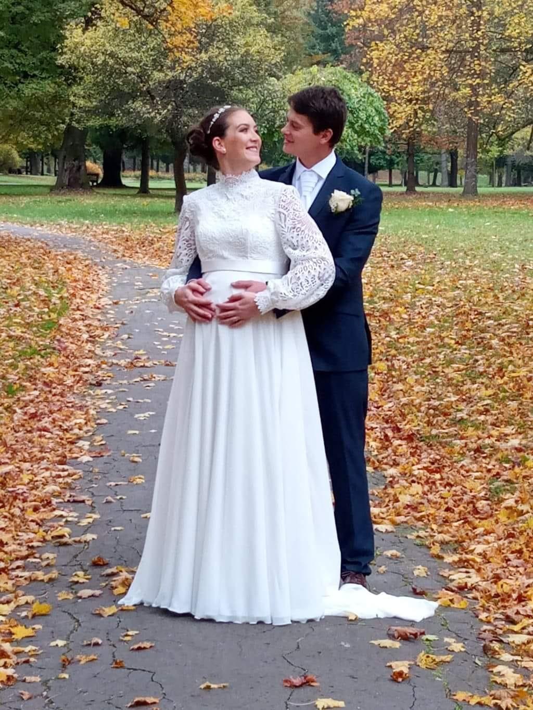 Naše nevesty - Svadobné šaty pre Kingu sme šili na mieru.  Svadobný model je z našej ponuky, avšak prispôsobený rastúcemu tehotenskému brušku ❤️