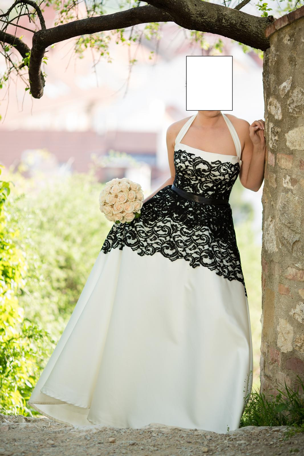 Černobílé krajkové svatební šaty, vel. M - Obrázek č. 1