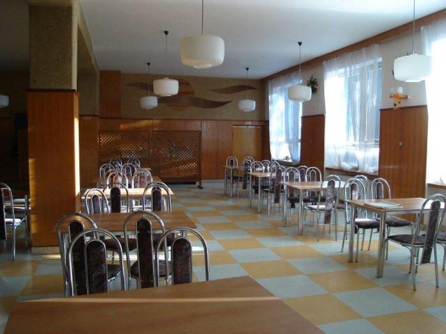 Svadobna sala - takze sala gilianka v Bolešove ale sa neviem rozhodnúť pre farbu výzdoby:-(
