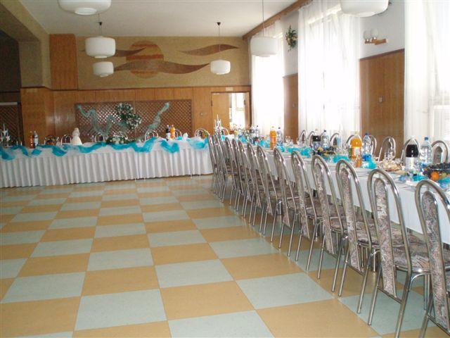 Svadobna sala - a tak to vyzerá keď je to pripravené ale od chatky