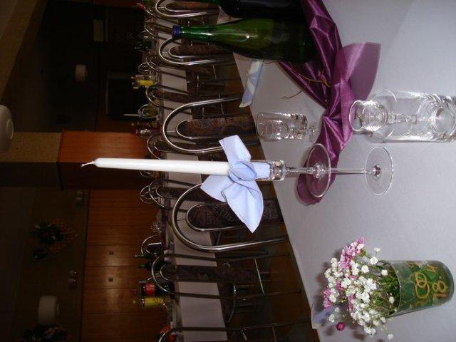 Svadobna sala - hodí sa tam fialová s bielou a modrou? alebo iná farba