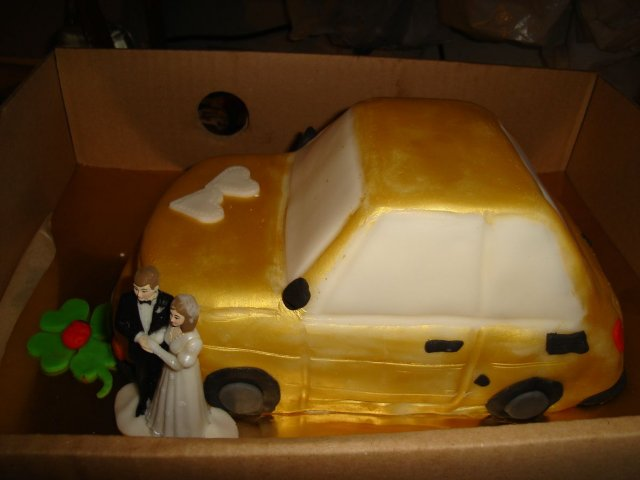 Svadobna sala - fiatkárska svadobná torta:-)