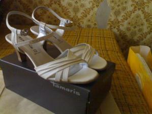 svadobné topánky a aj popolnočné:-)