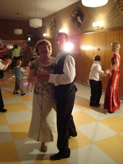 Stanka Nerádová{{_AND_}}Martin Škrátek - tanec s mojou mamou