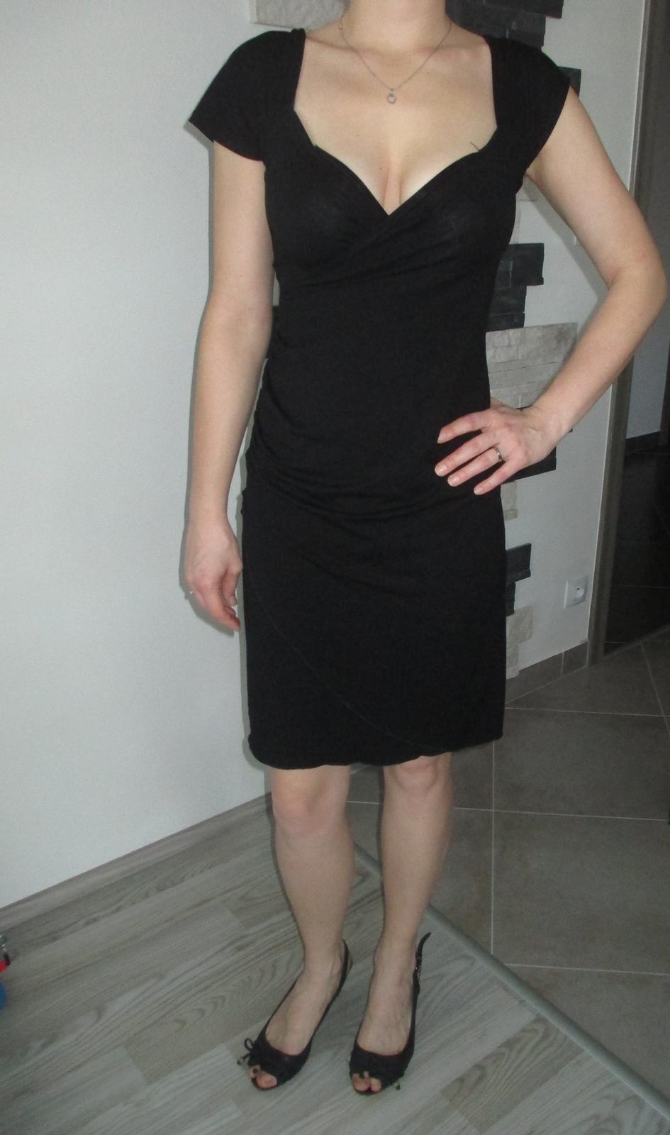 Univezální strečové šaty - Obrázek č. 1