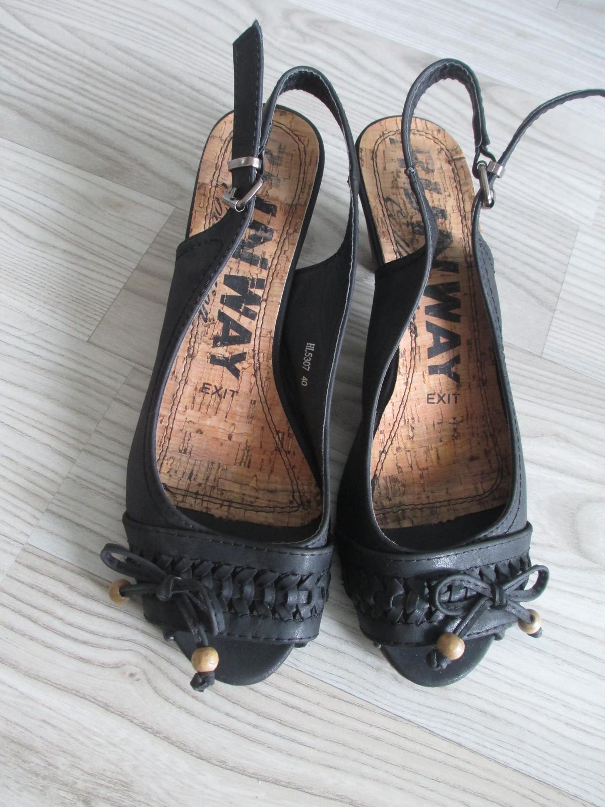 Kožené boty s otevřenou a patou a špičkou - Obrázek č. 1