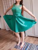 Šaty s čipkovaným vrškom, 40