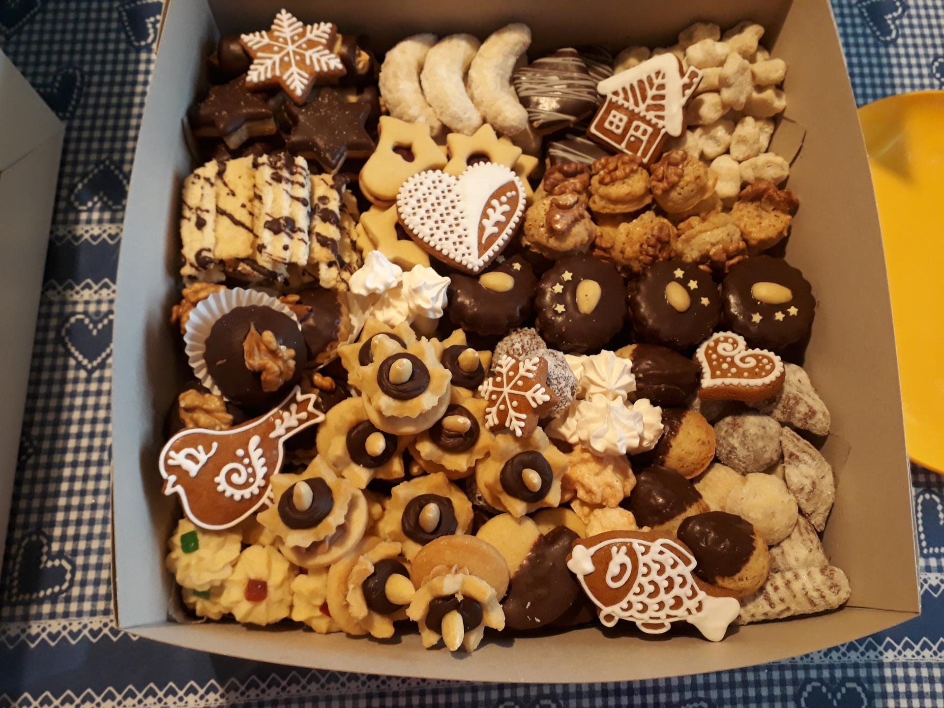 Vánoce 2019 - Takto, letos pečeno 19 druhů cukroví 😊