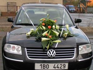 Moje autíčko, musím poděkovat řidiči Patrikovi a taky i mému švagrovi Martinovi, za super nazdobení.