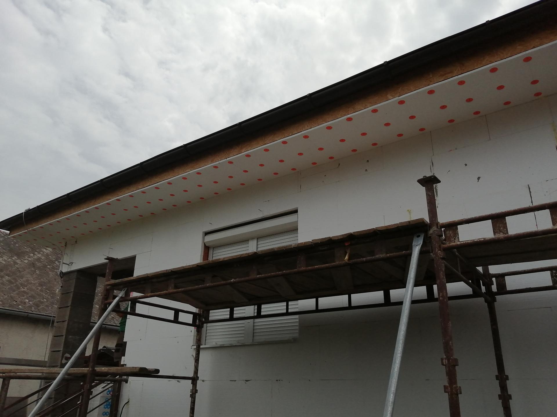Zateplovanie RD - 1 CM na dosku, 5 CM na stenu a 2 CM pod kamen.