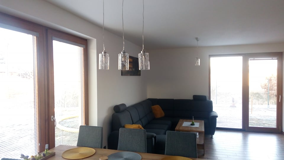 Náš vysněný domov :-) - konečně lustry.. :-) :-) za tu cenu jsou fakt super