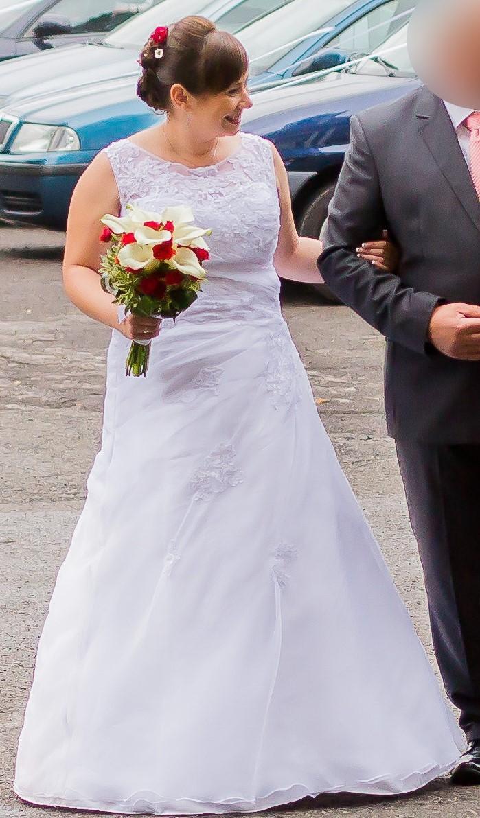 Svatební šaty - šněrovací (vel. 38 - 44) - Obrázek č. 1