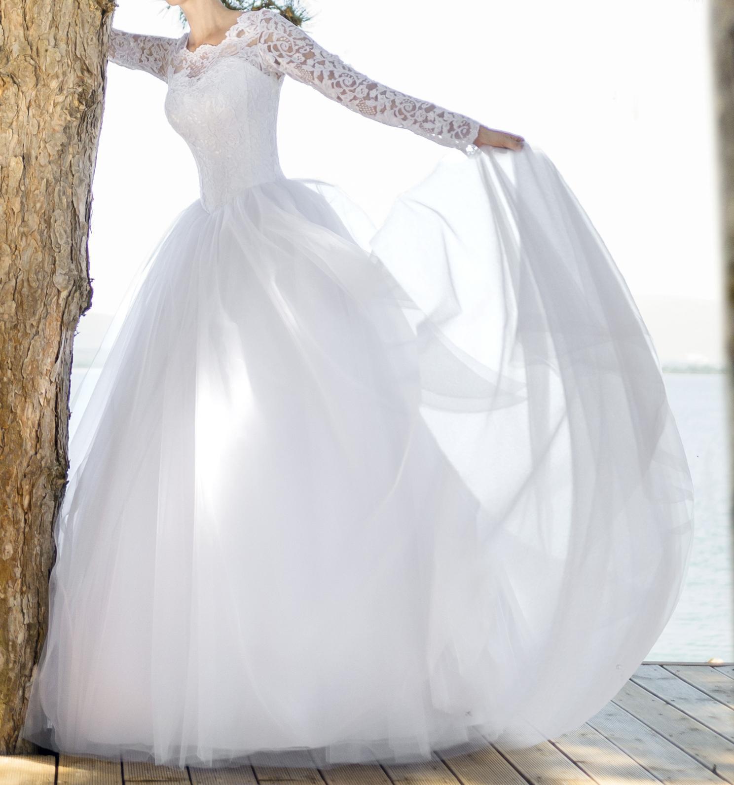 Svadobné šaty s dlhým rukávom - Obrázok č. 1