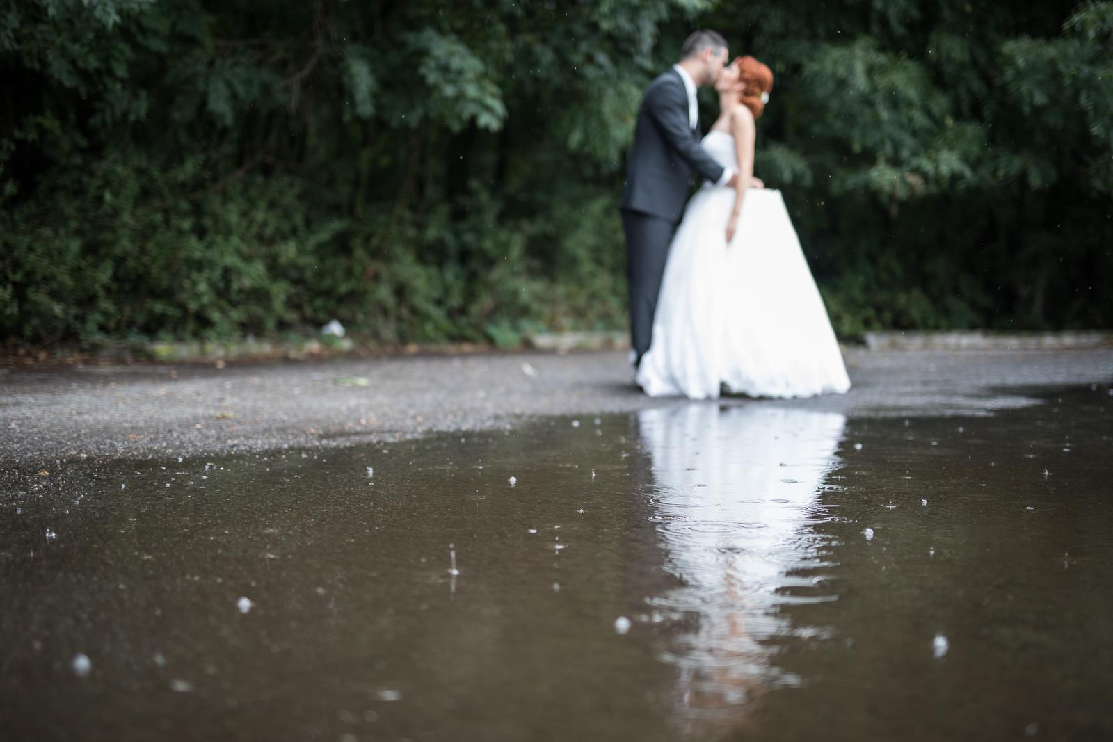 Miška & Peťo - Svadba v daždi - Obrázok č. 2