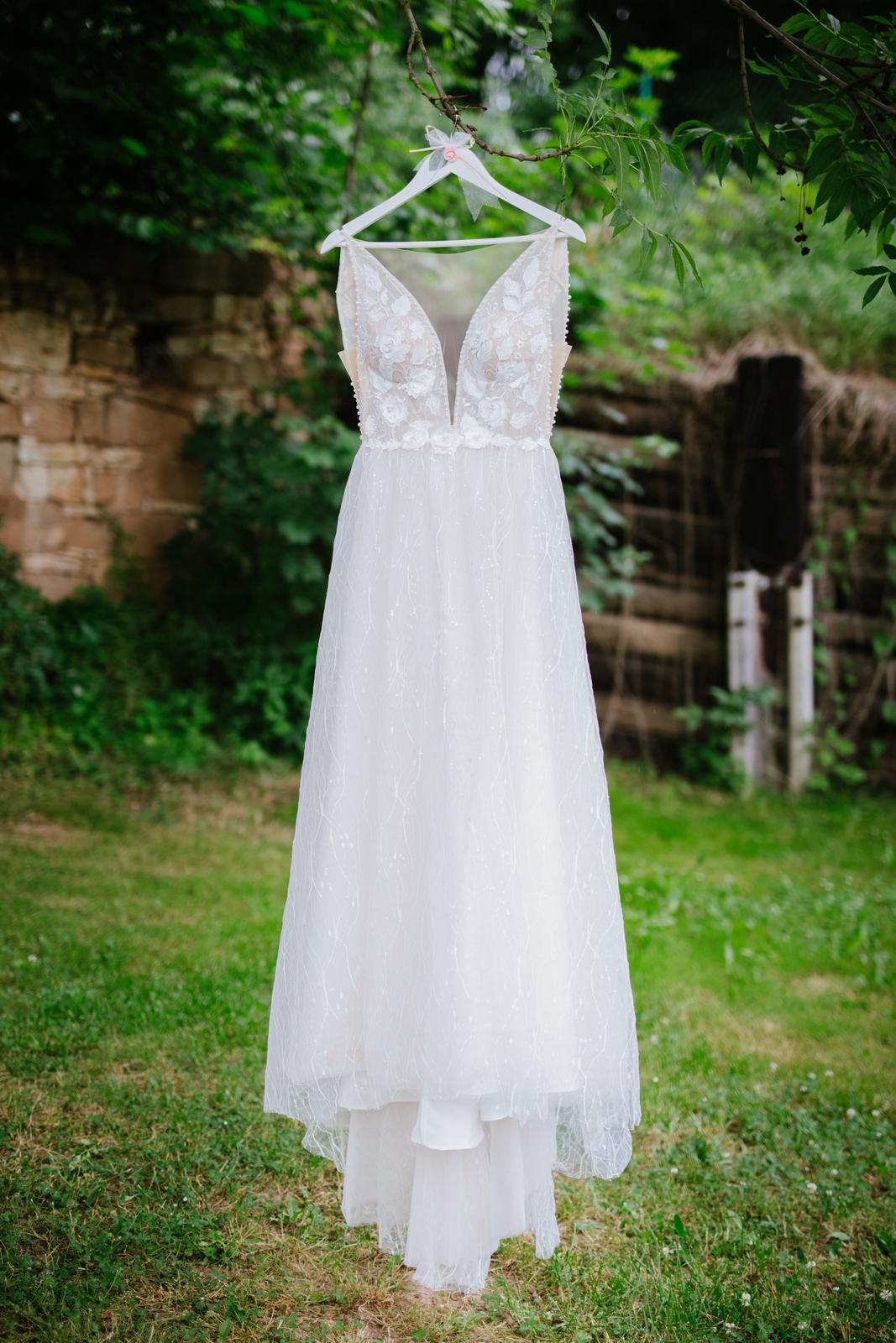 Svatební šaty Estelavia, velikost - Obrázek č. 1