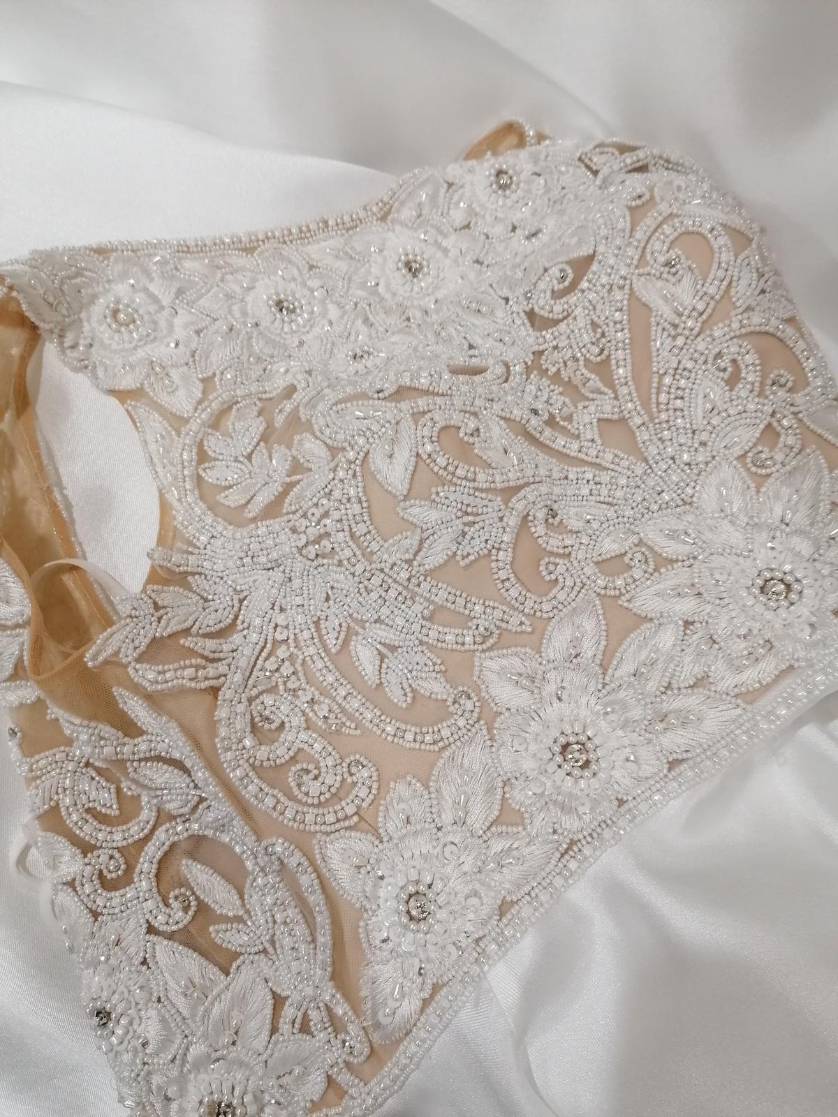 REZERVOVANÉ - Predám svadobné šaty - Obrázok č. 3