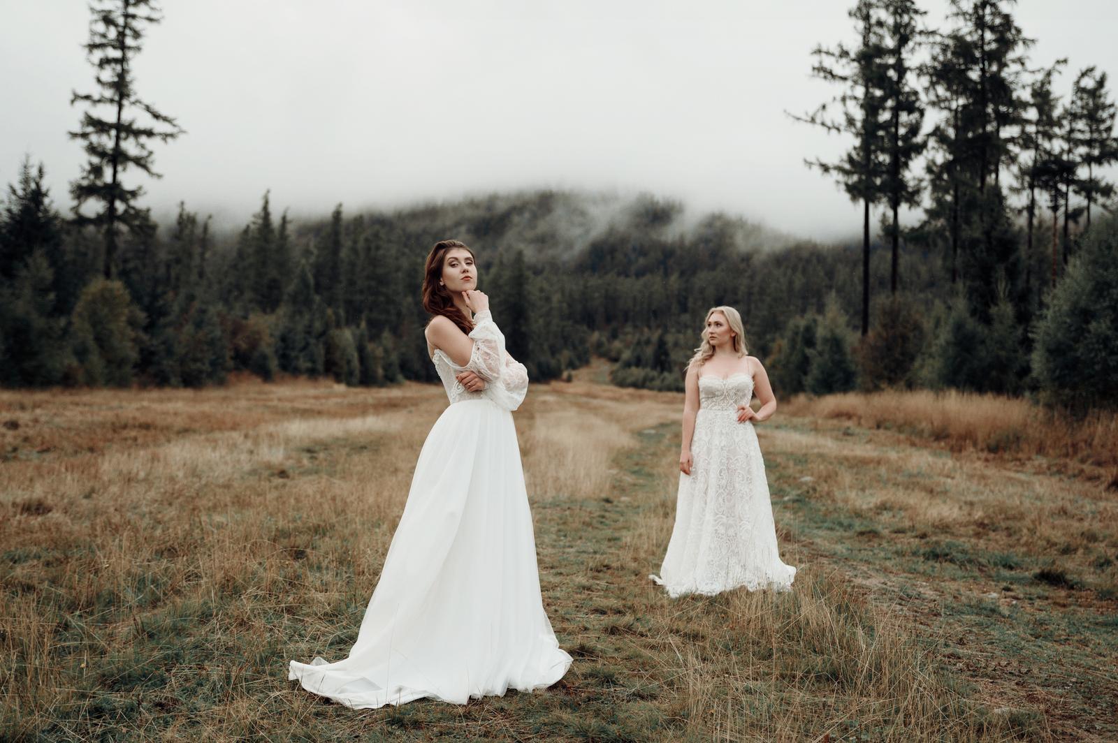 necobileho - Model Amanda a Elis