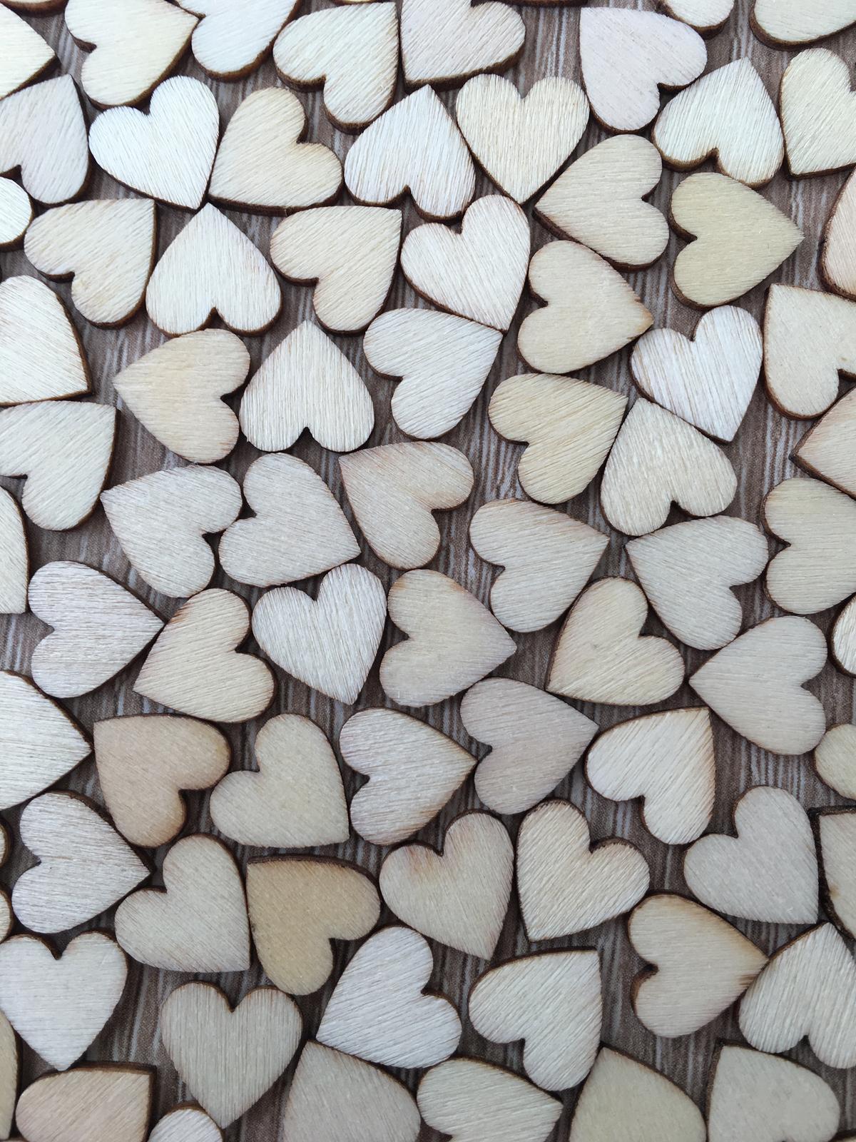 Dřevěná srdíčka na vývazky 1 cm 100 ks - Obrázek č. 1