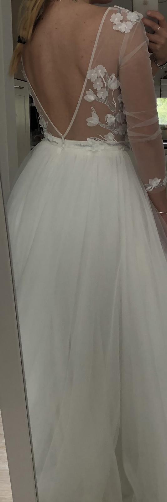 Nenošené svatební šaty - Obrázek č. 2