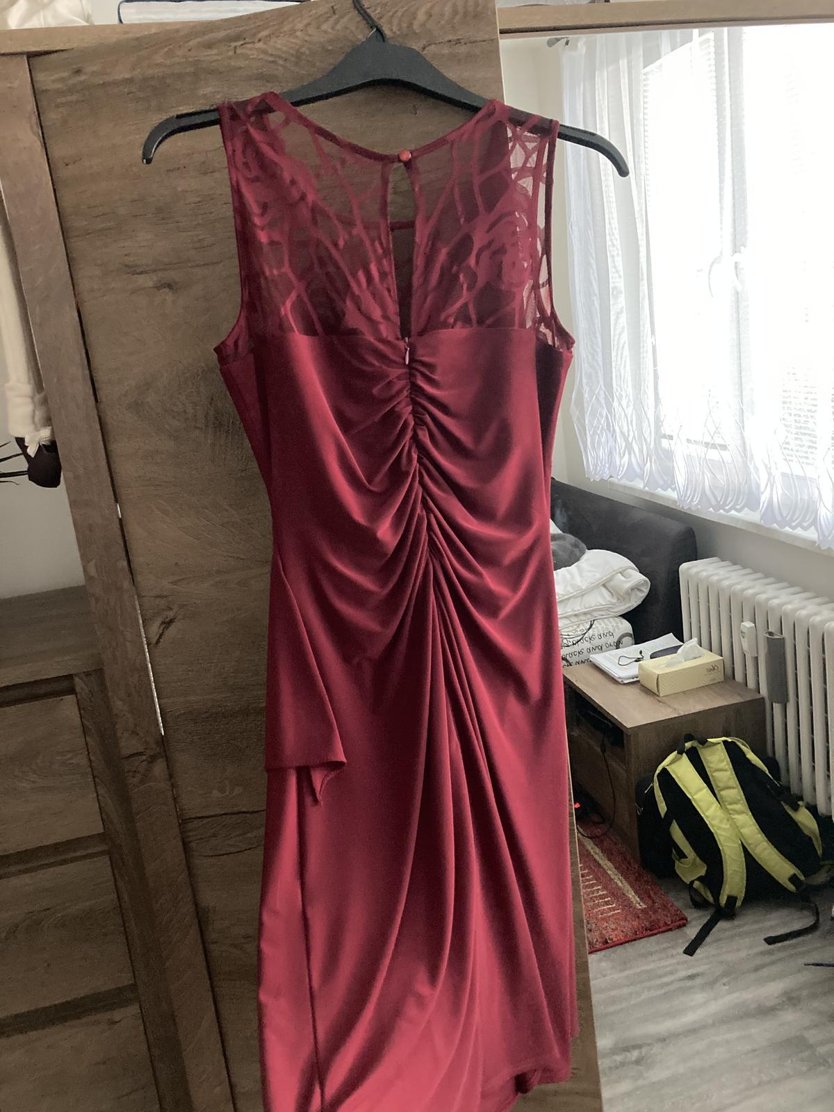vínové šaty bez rukávů - Obrázek č. 4