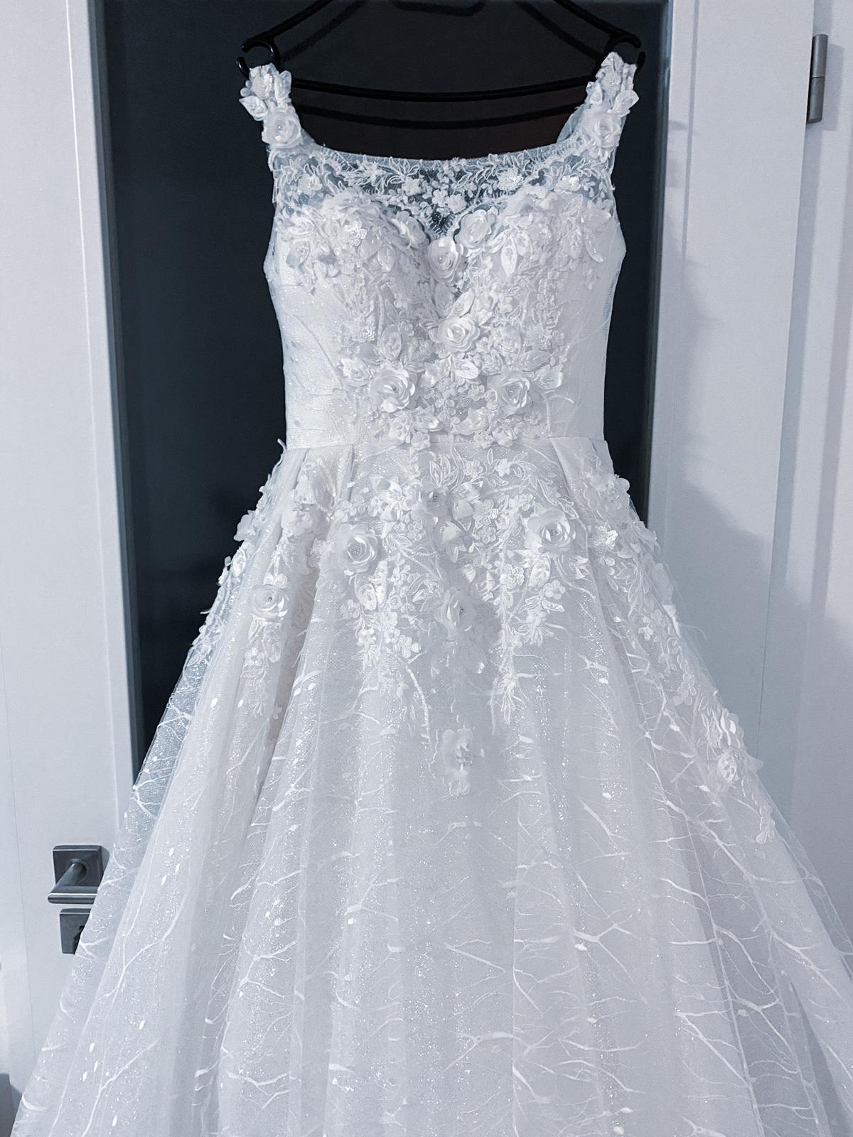 Nové princeznovské svatební šaty - Obrázek č. 1