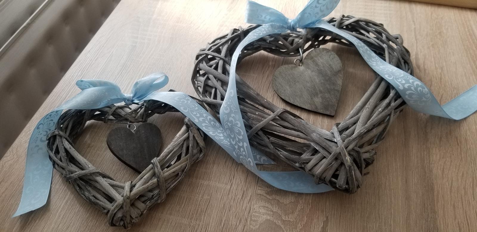 Srdcia vhodné na zástenu za novomanželov - Obrázok č. 1