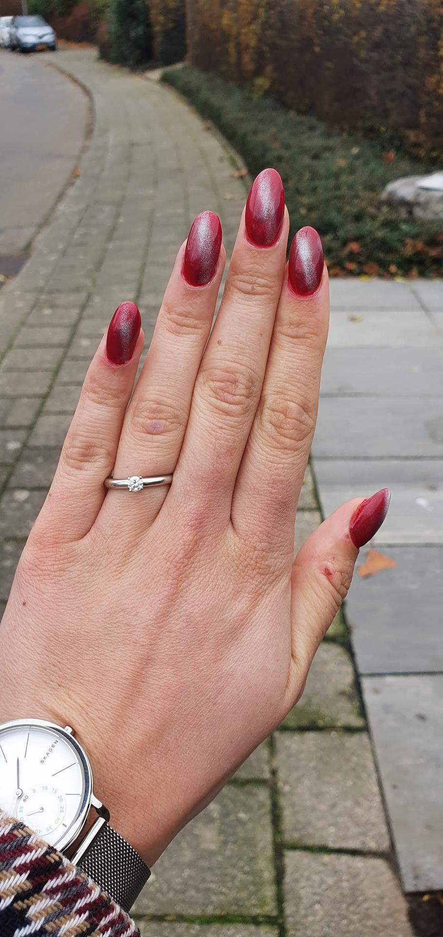 Co už máme nachystáno - Zásnubní prýstýnek 😊💖💍 Bílé zlato a diamant