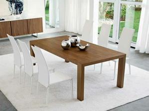 stůl bude vypadat asi takto, jen tmavší