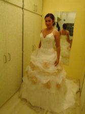 moje svatební šatičky od Asapa:-)