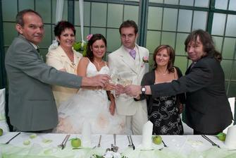 na nevěstu a ženicha!
