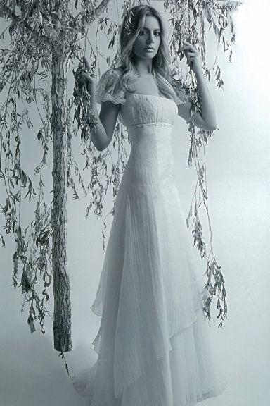 Svatební šaty - Můj vysněný střih...na modelce
