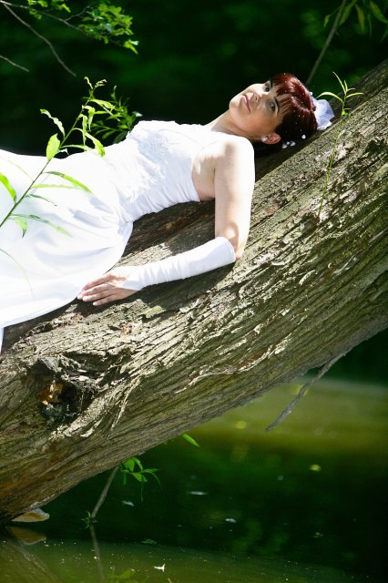 Janka{{_AND_}}Viliam - to som sa musela vystverat na strom nad vodou !!!
