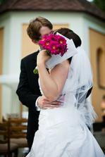 a prvá manželská pusa
