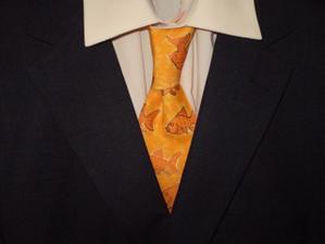 sako s košilí a kravatou, možná ješte bude jiná košile
