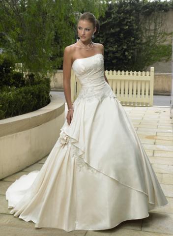 Svadobné šaty a oblek - Obrázok č. 25