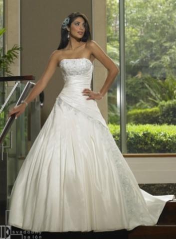 Svadobné šaty a oblek - Obrázok č. 23