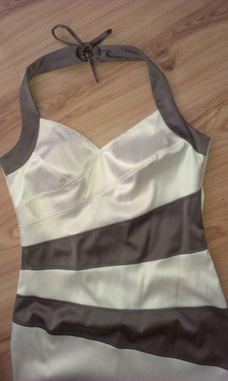 šaty okolo krku - Obrázok č. 1