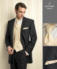 a takhle nějak bude vypadat můj drahý, jenom ta vestička s kravatou bude béžová v růžovou výšivkou aby ke mě ladil :-)
